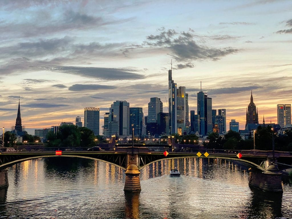 Day Trip Frankfurt Floesserbruecke